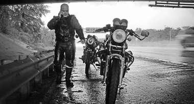 Jezdit se dá i za deště, jen je potřeba se správně vybavit...